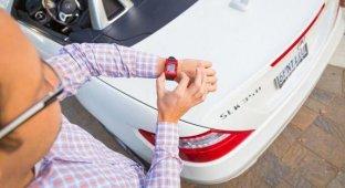 Mercedes-Benz синхронизировала «умные» часы Pebble со своими авто