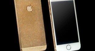 Goldgenie представила золотой iPhone 5s усыпанный кристаллами Swarovski [фото]