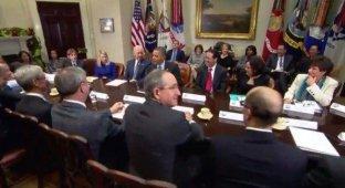 Президент США встретился с топ-менеджерами Apple Google и Yahoo [видео]