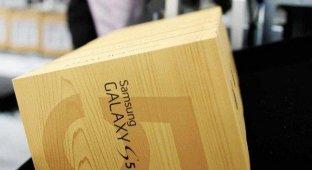 20 вооруженных грабителей вынесли 40 000 гаджетов с завода Samsung в Бразилии