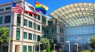 Apple поддержала гей-парад в Сан-Франциско «радужным» флагом и футболками [фото]