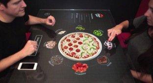 Pizza Hut установила сенсорные столы для интерактивного заказа пиццы [видео]