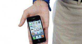 Житель Волгограда отсудил у «Евросети» 95 000 рублей за бракованный iPhone 4s