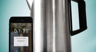 На CES 2014 показали чайник управляемый со смартфона
