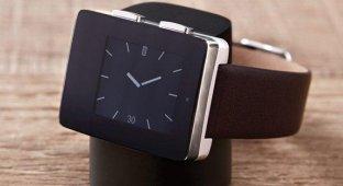 Wellograph выпустила «умные» часы с монитором сердечного ритма и трекером активности