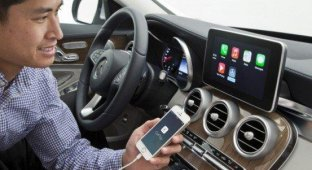 Mercedes-Benz допускает возможность адаптации CarPlay к старым автомобилям
