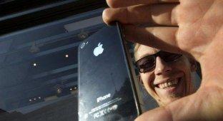 Житель Красноярска отсудил у «Связного» 90 000 рублей за бракованный iPhone 4s