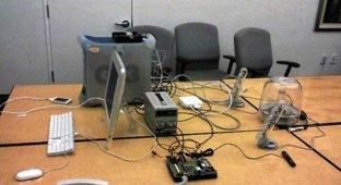 Опубликовано фото секретной комнаты в которой создавалась прошивка для первого iPhone