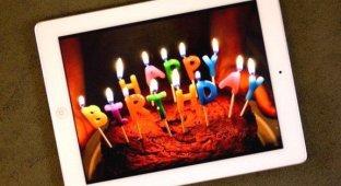 iPad празднует четвертый день рождения