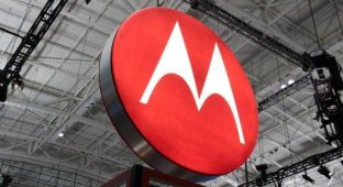 Lenovo купила у Google мобильное подразделение Motorola за 3 миллиарда долларов